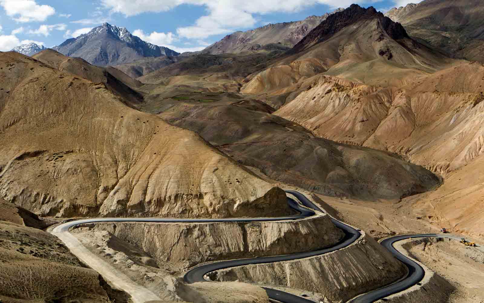 Srinagar - Kargil - Leh Highway Travel Guide